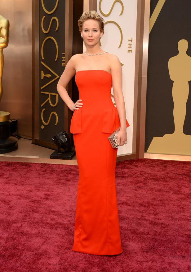 jenifer-lawlerence-oscars-dress
